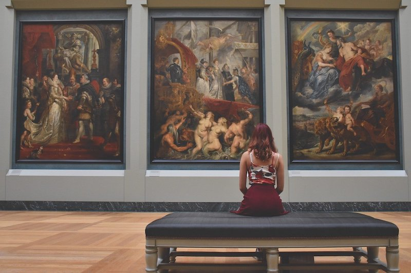 Art and Neuroscience: the start of a scientific approach to the art perception